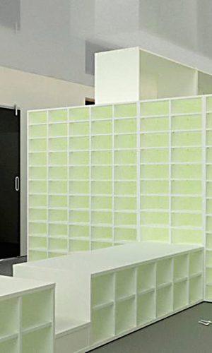 3D Entwurf einer Regalkonstruktion eines Umkleideraumes
